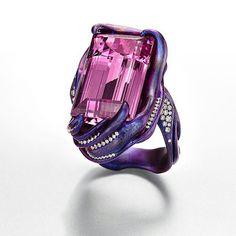 @suzannesyzartjewels. Purple wrap ring... #contemporaryjewelry#naturalpinktopaz #diamonds #titanium #ring