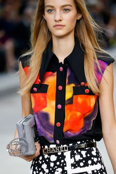 Chanel Spring 2015 Ready-to-Wear - Details - Gallery - Look 4 - Style.com