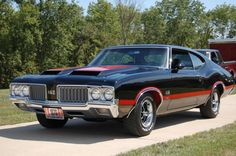 Stateway Auto Transport This is how we Rock. #LGMSports relocate it with http://LGMSports.com 1970 Oldsmobile 442 W-30 COUPE