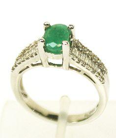 Anel em Ouro branco, Esmeralda e Diamantes - R$ 5.000,00