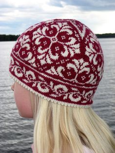 Every time I see this, I want to knit it. by Johanne Landin (Born to Knit) knit hat Edith the Hat pattern by Johanne Landin Double Knitting, Hand Knitting, Knit Or Crochet, Crochet Hats, Fair Isle Pattern, How To Purl Knit, Knit Patterns, Fair Isle Knitting Patterns, Knitting Projects