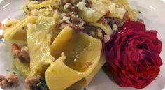Maltagliati alla salsiccia di Bra, castelmagno e fiorellini di campo