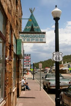 The unofficial (one hour away) entrance to Grand Canyon National Park lies on Route 66 in the form of Williams, AZ. Old Route 66, Route 66 Road Trip, Historic Route 66, Travel Route, Road Trip Usa, Travel Usa, Arizona Travel, Sedona Arizona, Williams Arizona