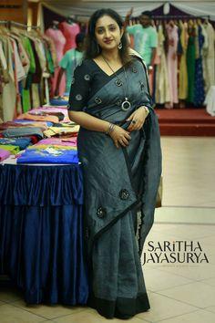 Cotton Saree Designs, Sari Blouse Designs, Saree Blouse Patterns, Indian Silk Sarees, Indian Beauty Saree, Cutwork Saree, Simple Sarees, Saree Photoshoot, Saree Trends