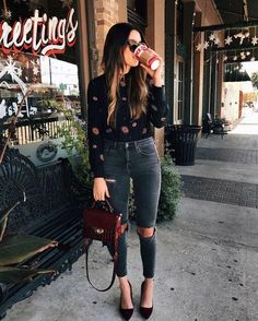 This is such a super cool casual outfit! I love the tucked in shirt and ripped jeans look! | Styling Tips for a street savvy fashionable look! | Outfit ideas for women.