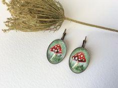 Handmade dangle earrings Leverback earrings por MusettayMimi