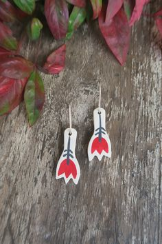 Red And Grey, Flower Earrings, Ceramics, Christmas Ornaments, Sterling Silver, Holiday Decor, Flowers, Art, Ceramica