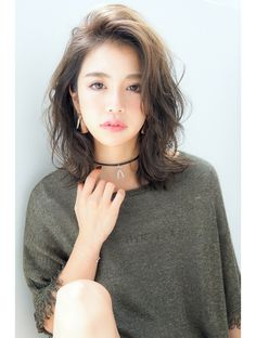 Love this style Permed Hairstyles, Girl Hairstyles, Medium Hair Styles, Curly Hair Styles, Hair Arrange, My Hairstyle, Grunge Hair, Face Hair, Layered Hair