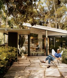 Mutual Fulfilment In Santa Monica, architect and activist Cory Buckner is working to preserve the living monuments of L.A.'s mid-century-modern past, including her own home by A. Quincy Jones. Photo by: Darcy Hemley