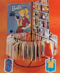 Barbie Displays Do it yourself! Barbie Store, Old Barbie Dolls, Play Barbie, Barbie I, Barbie Dream, Barbie World, Barbie And Ken, Vintage Barbie Kleidung, Vintage Barbie Clothes