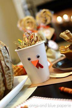 Thanksgiving turkey cups ~ HeHe! So cute! :D