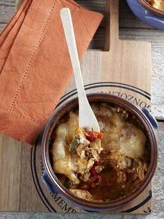 Μπουγιουρντί με κοτόπουλο - www.olivemagazine.gr Greek Recipes, Cheeseburger Chowder, Ramen, Good Food, Food And Drink, Soup, Chicken, Cooking, Ethnic Recipes