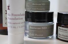 DR. PERRICONE Cold Plasma . So fasst die Marke DR. PERRICONE die Philosophie ihrer Hautpflegeprodukte zusammen.