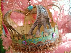 Eiffel Crown by Itl blonde on flickr... clever