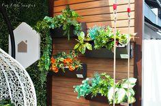 building a flower window box, pvc modern window boxes Wall Climbing Plants, Hanging Plants, Indoor Plants, Balcony Design, Garden Design, Interior Design Requirements, Decking Fence, Wood Plastic, Balcony Flowers