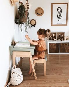 Baby room decor - Cute photoshoot ideas cute ways to decorate kids corner Kids bedroom Kids art space littlegirlrooms arttables crafttime picturestotake