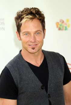 Tobymac, you sir have gorgeous eyes and awesome talent. I enjoy when I hear tobymac music