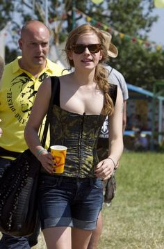 2010 Glastonbury Music Festival in Somerset, England (25.06.10) [HQ] - Emma Watson Photo (24105768) - Fanpop