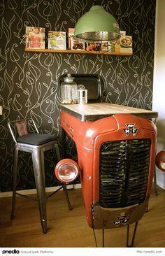 Öncesi: Traktör / Sonrası: Mutfak Masası