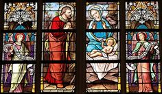 Why do People Believe in God? Is it Outdated to Believe in God Today? Papa Francisco, Jesus Pictures, Pictures Images, Free Images, Osnabrücker Land, Blaise Cendrars, Image Jesus, Les Fables, Church Windows