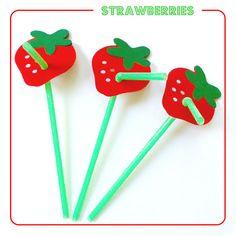 Sweet Strawberry Party Straws - sweetkaity.etsy.com
