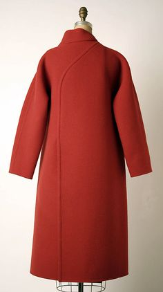 Coat Madame Grès (Alix Barton) (French Paris 19031993 Var region) wool p Teset Tesettür Mont Modelleri 2020 Abaya Fashion, 80s Fashion, Fashion Wear, Fashion History, Timeless Fashion, Vintage Fashion, Womens Fashion, Madame Gres, Mode Mantel