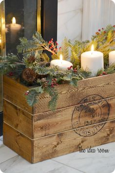 Christmas Crate made by @Amy Lyons Huntley (The Idea Room) for @Barbara Whitlow Bills McAfee's #LowesCreator