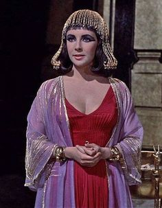 Cleopatra And Marc Anthony, Elizabeth Taylor Cleopatra, Queen Cleopatra, Cleopatra Costume, Ancient Egyptian Costume, Fashion Tv, Fashion Movies, Actrices Hollywood, Perfect Woman