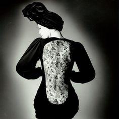 Photography: Jeanloup Sieff | Robe d'Yves Saint-Laurent pour Vogue, Paris, 1970 | model: Marina Schiano |