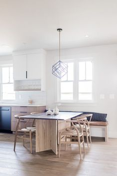 Small Space Inspiration From the Sunset Magazine Silicon Valley Idea House - Hej Doll Black And Red Kitchen, Beige Kitchen, Grey Kitchens, Kitchen Colors, Home Kitchens, Kitchen Nook Bench, Kitchen Dining, Traditional Front Doors, Scandinavian Home