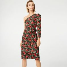 Club Monaco offers chic and stylish men's and women's clothing. Discover fashionable dresses, shirts, pants and more when you shop Club Monaco. Club Monaco, Fashion To Figure, Rehearsal Dinners, Stylish Men, One Shoulder, Fashion Dresses, High Neck Dress, Silk, Summer Dresses