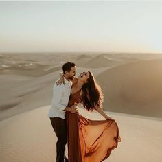 Britt from Bachelor Engagement // Imperial/Algodones Sand Dunes in Southern California San Diego engagement photos Engagement Outfits, Engagement Pictures, Engagement Shoots, Couple Photography, Engagement Photography, Photography Tips, Portrait Photography, Wedding Photography, Pre Weding