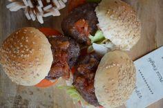 """Pub Food"" mini-burgers"