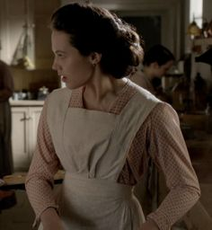 Lady Syble in a penny - Downton Abbey fashion Downton Abbey Season 1, Downton Abbey Fashion, Sybil Downton, Updo Styles, Hair Styles, Lady Sybil, Jessica Brown Findlay, Sewing Clothes, Aesthetic Pictures