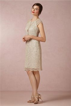 Knee-Length Full Overlay Beige Lace Cocktail Party Mother Gowns Short Cap Sleeves Sheath Mother of the Bride Dresses Simple and Elegant 2014