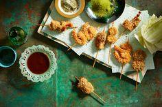 Deep-fried skewers with dipping sauce (kushi katsu)