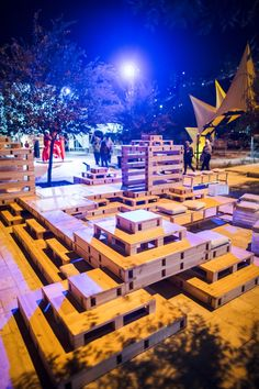 Stackable Playscapes system transforms empty lots into playgrounds