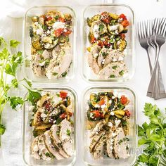 Low Carb Greek Chicken Meal Prep Bowls Recipe - These Greek chicken meal prep bowls are SO EASY! Only 20 minutes prep time to make a low carb meal prep bowl recipe for 4 different meals. Healthy Recipes, Lunch Recipes, Low Carb Recipes, Diet Recipes, Low Carb Meal Plan, Low Carb Lunch, Brunch, Chicken Meal Prep, Chicken Recipes