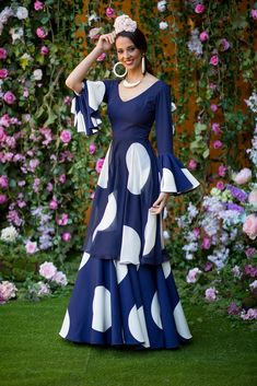 Trajes de flamenca 2019. Colección 2019. Sueña Primaveras Muslim Fashion, Indian Fashion, Flamenco Costume, Fashion Show, Fashion Outfits, Dress Indian Style, Designer Dresses, Winter Outfits, Gowns