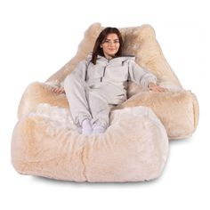 Mega Lounger Fur Bean Bag - Faux Fur White Fox 78e1ba21455af