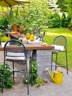 DIY cinder block outdoor patio bar - Click image to find more Outdoors Pinterest pins