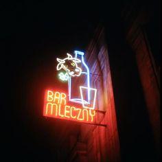 """Neon baru mlecznego """"Bambino"""", róg ulic Kruczej i Hożej, pierzeja zachodnia Warsaw Poland, Corpse Bride, City Girl, Eastern Europe, Illusions, Nostalgia, Neon Signs, Vintage, Bright Lights"""