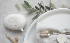 Easter table porcelain favor. Wedding favor idea. Personalized party favor - Porcelain speech balloon by AtelierGilet