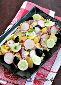 salata de cartofi cu peste afumat Romanian Food, Fruit Salad, Canning, Recipes, Fruit Salads, Ripped Recipes, Home Canning, Cooking Recipes