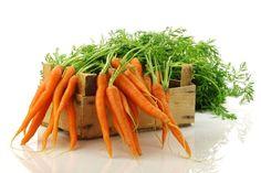 A sárgarépa a magyar konyha mostohagyereke, hiszen jóformán csak levesekbe és salátákba használjuk. Pedig ez a zöldség sokkal sokoldalúbb: ... Vegan Carrot Soup, Carrot Salad, Sweet Kale Salad, Cooking Instructions, Healthy Vegetables, Garlic Sauce, Fresh Ginger, Coleslaw
