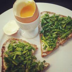 best breakfast 😍 #breakfast #frühstück #wochenende #schnittlauch #ei Avocado Toast, Food, Egg As Food, Essen, Meals, Yemek, Eten