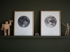 Celina Stamper: In my livingroom i have two posters from Desenio. And some cool wooden figures ; Posters, Living Room, Cool Stuff, Home Decor, Decoration Home, Room Decor, Poster, Home Living Room, Drawing Room