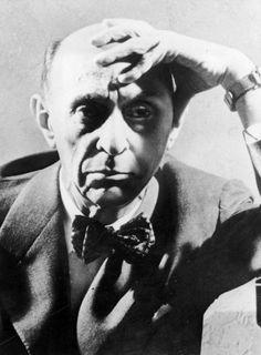 Ningún autor ha sido más vilipendiado que Arnold Schoenberg. Una monografía recoge los escándalos y la hostilidad provocados por el vienés