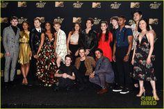13 reasons why full cast mtv awards 01