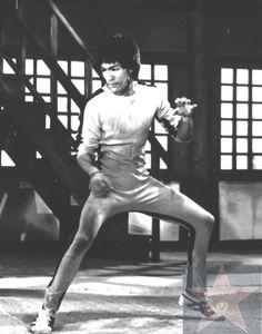 Kung Fu Stance! HAH! - Bruce Lee
